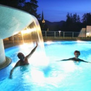 OUTDOOR-SWIMMING-POOL-5